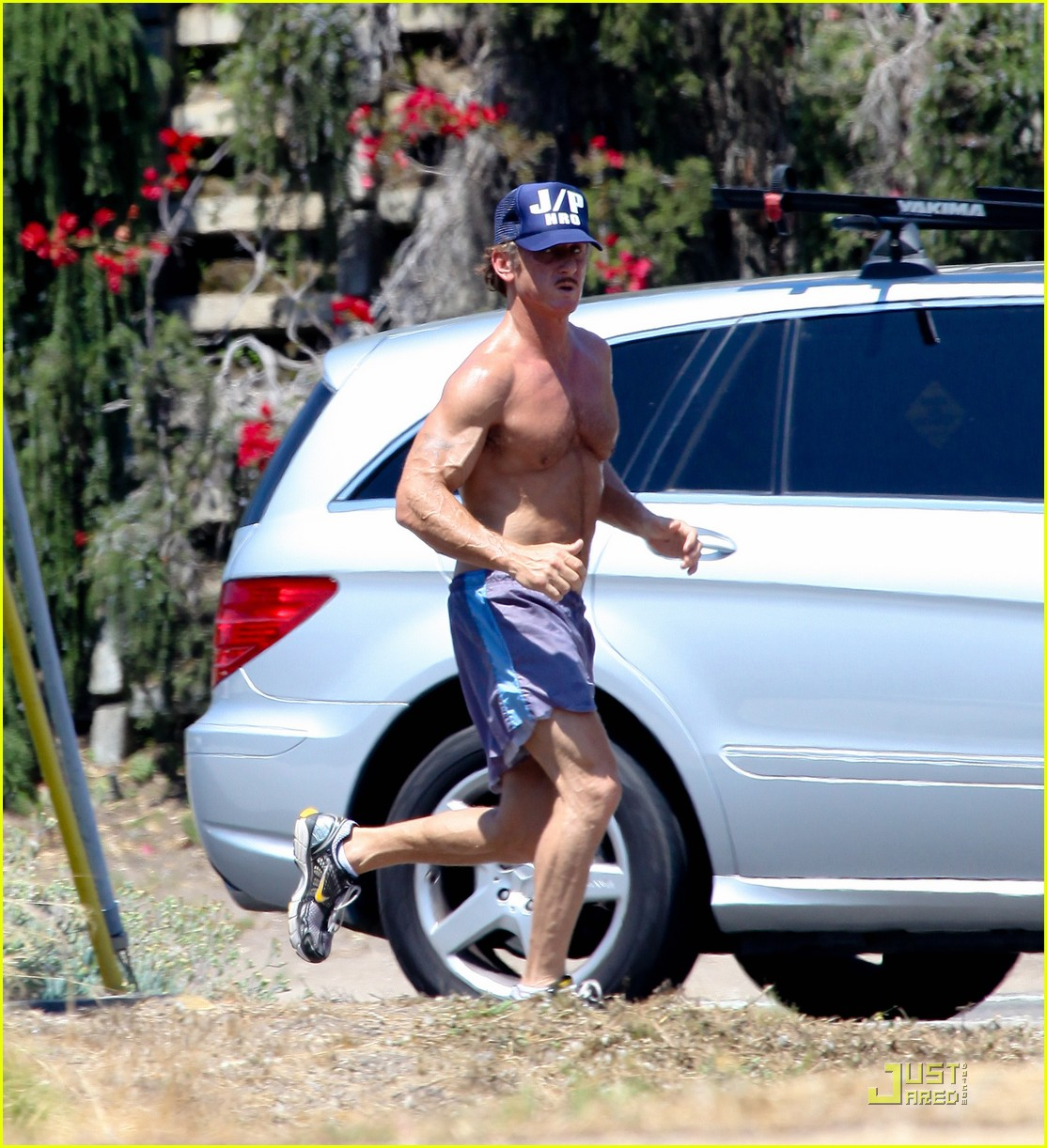 sean penn shirtless jogging with shannon costello 152574292