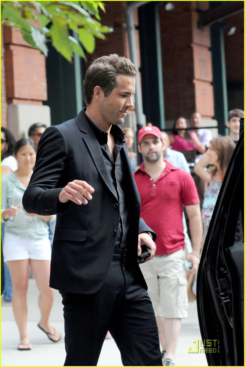 ryan reynolds hotel nyc 152567225