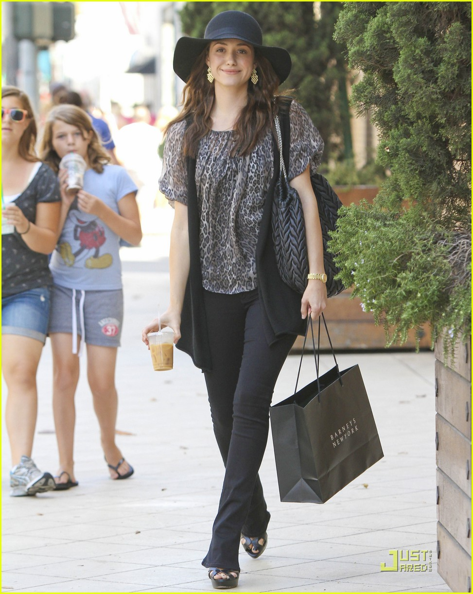 emmy rossum all smiles 18
