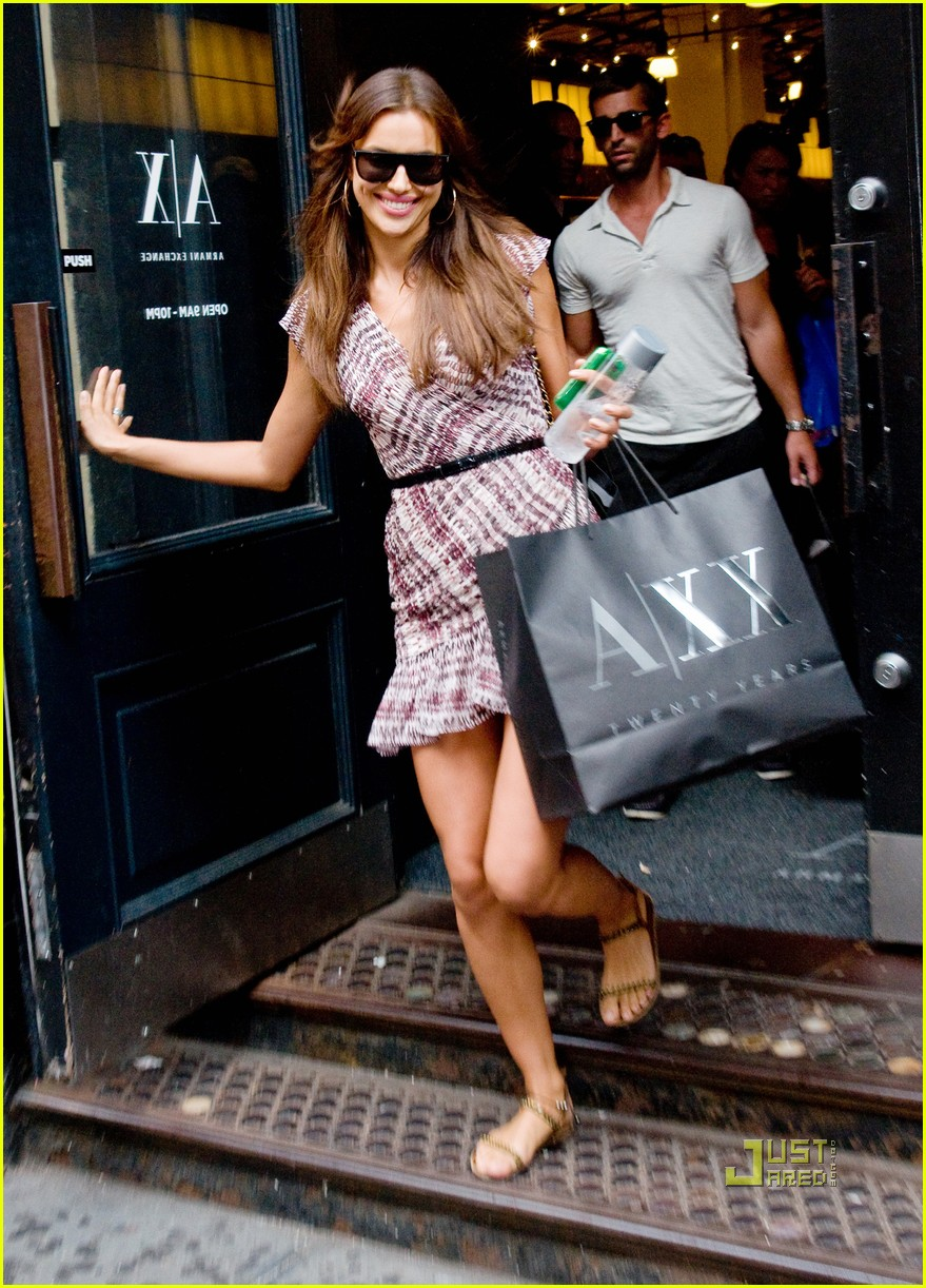 irina shayk working out shopping 072568608