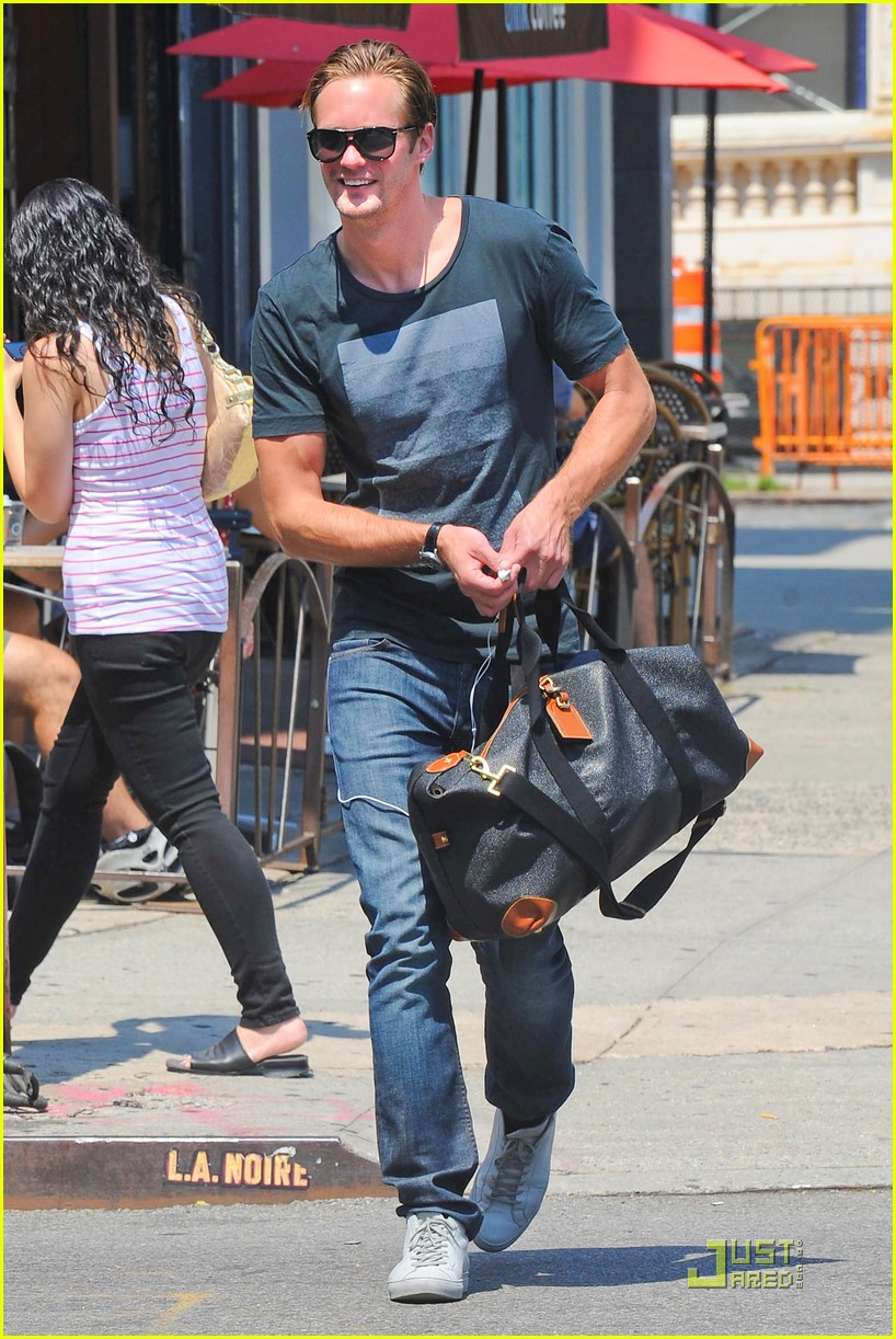 alexander skarsgard fan friendly nyc 01