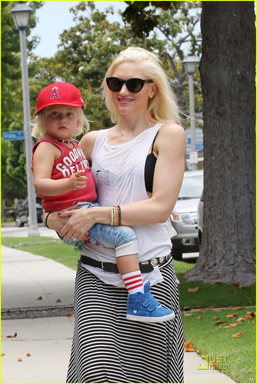 gwen stefani park playtime with zuma 25