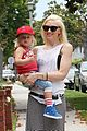gwen stefani park playtime with zuma 02