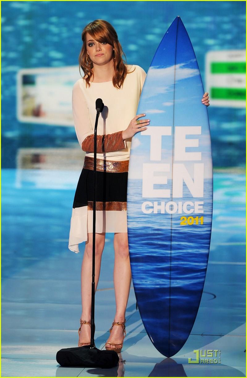 emma stone teen choice awards 2011 presenter 05