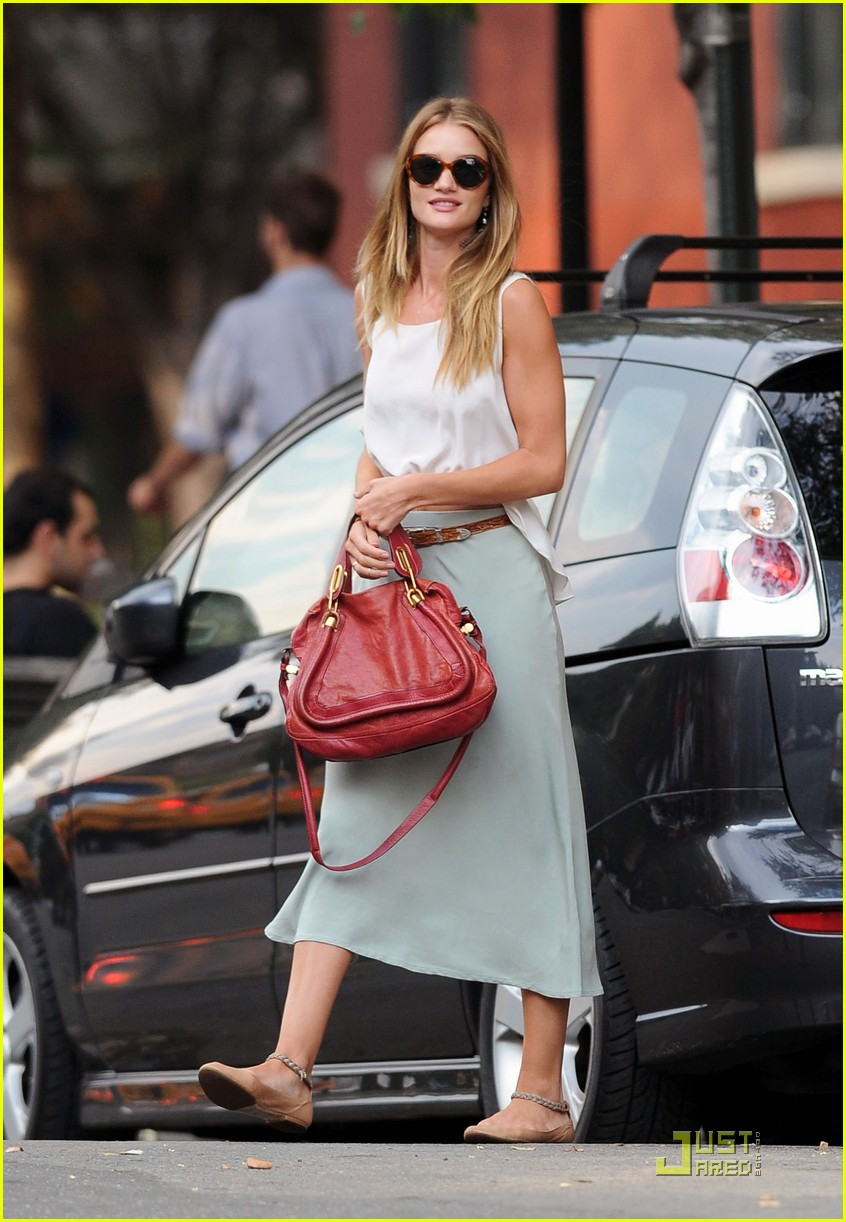 rosie huntington whiteley bar pitti 03