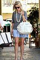 reese witherspoon back in brentwood 09