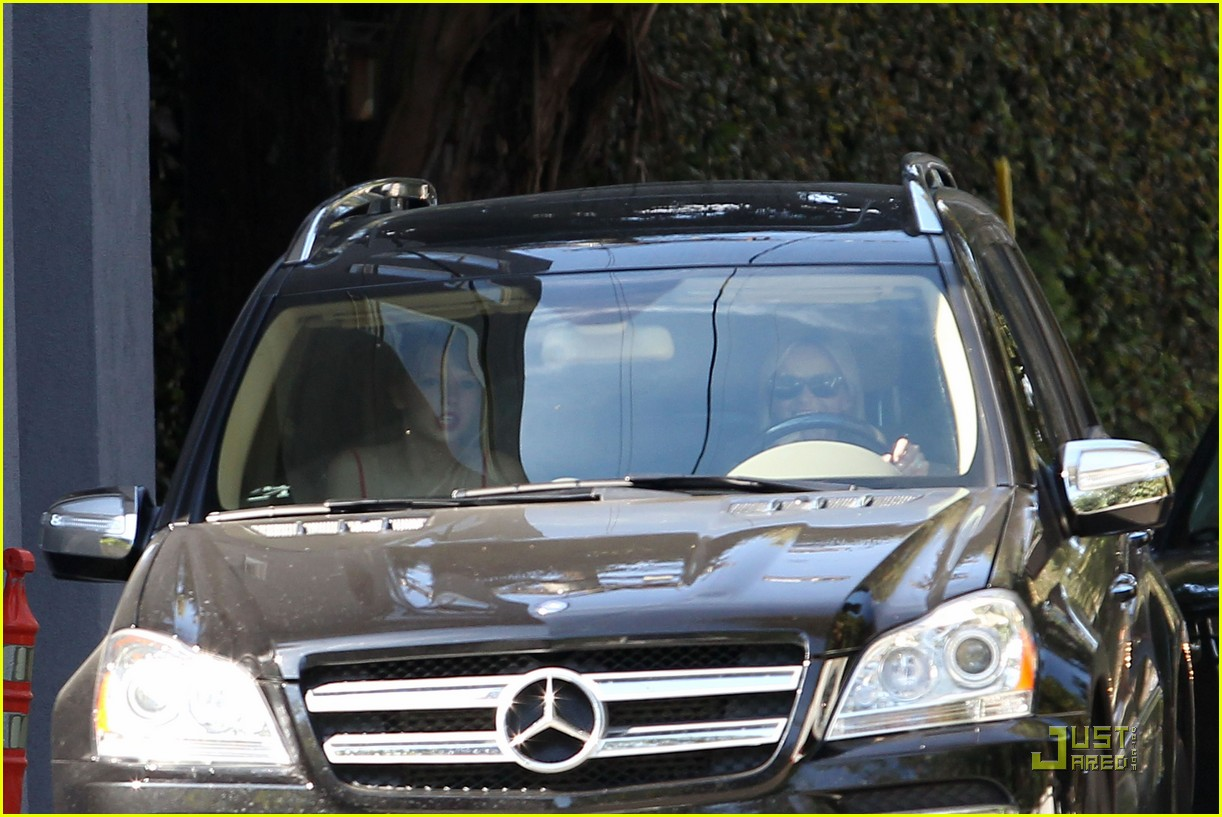 taylor swift and reese witherspoon lunch date 22