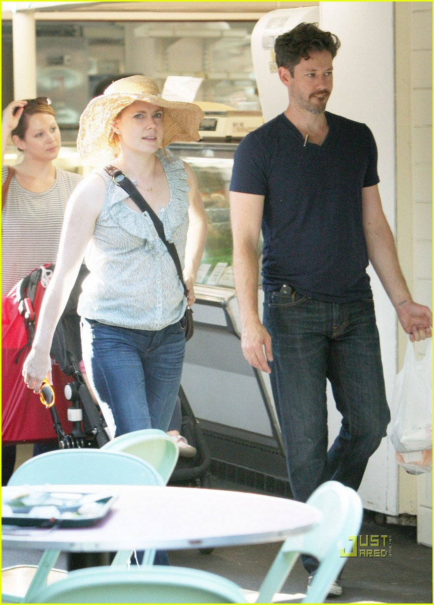 amy adams darren le gallo out shopping 04