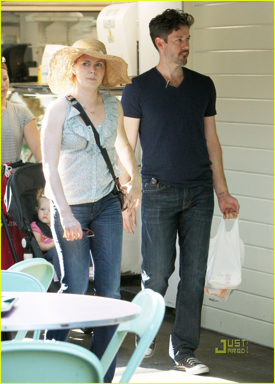 amy adams darren le gallo out shopping 102575495