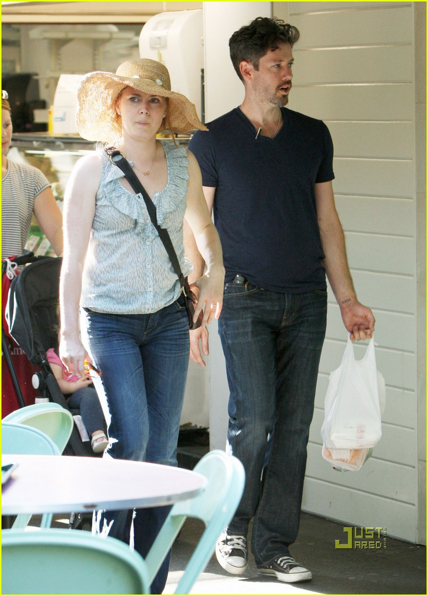 amy adams darren le gallo out shopping 14