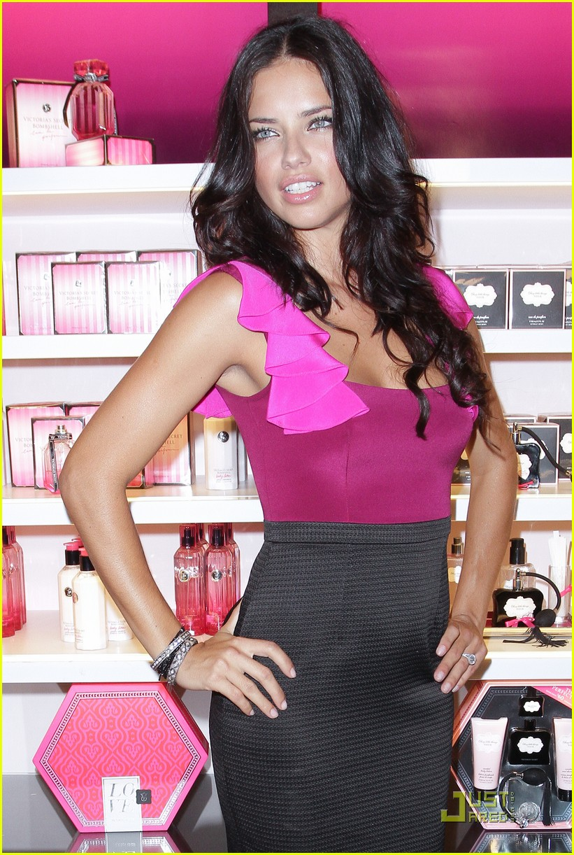 alessandra ambrosio adriana lima fashions night out 14