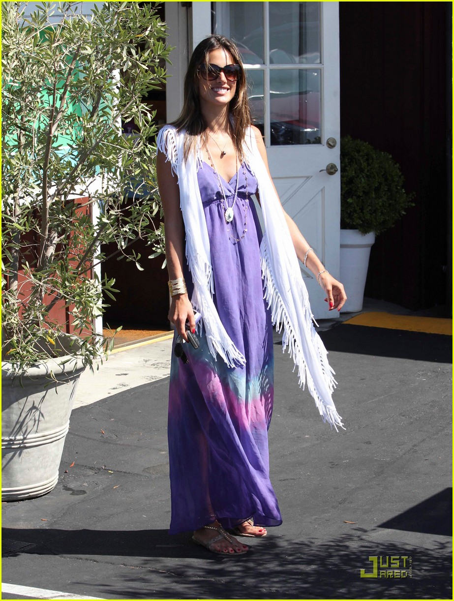 alessandra ambrosio anja brentwood country mart 07