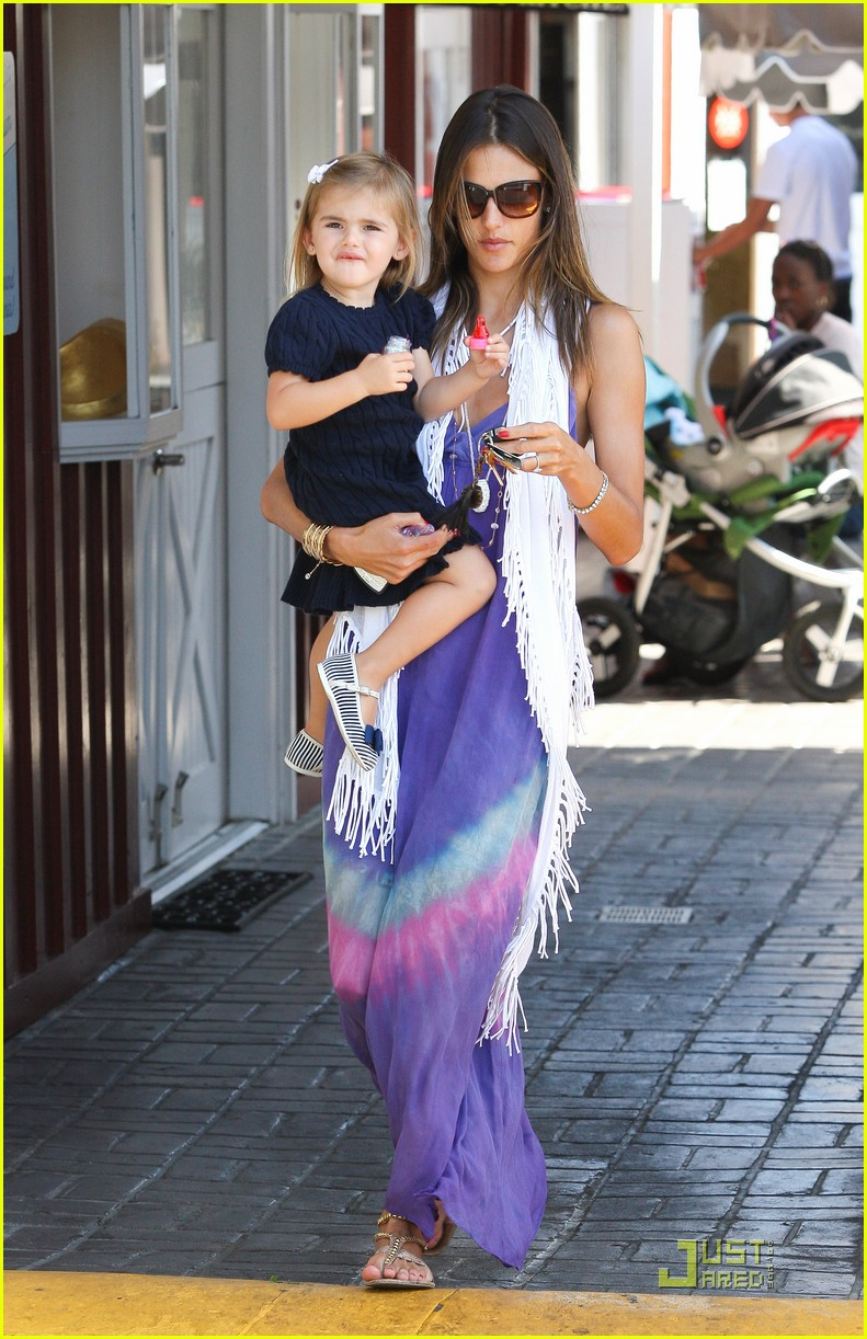 alessandra ambrosio anja brentwood country mart 11
