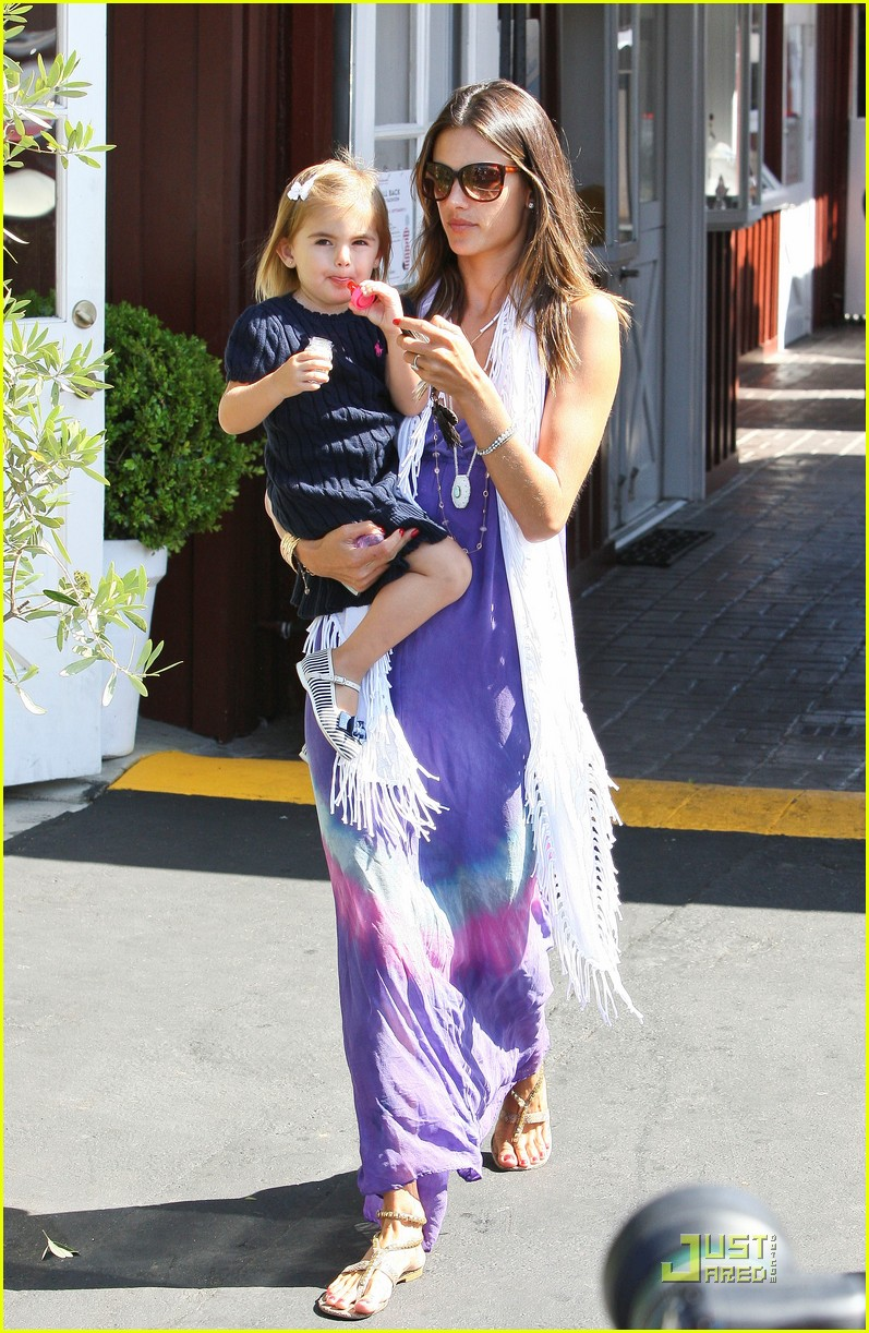 alessandra ambrosio anja brentwood country mart 122575536