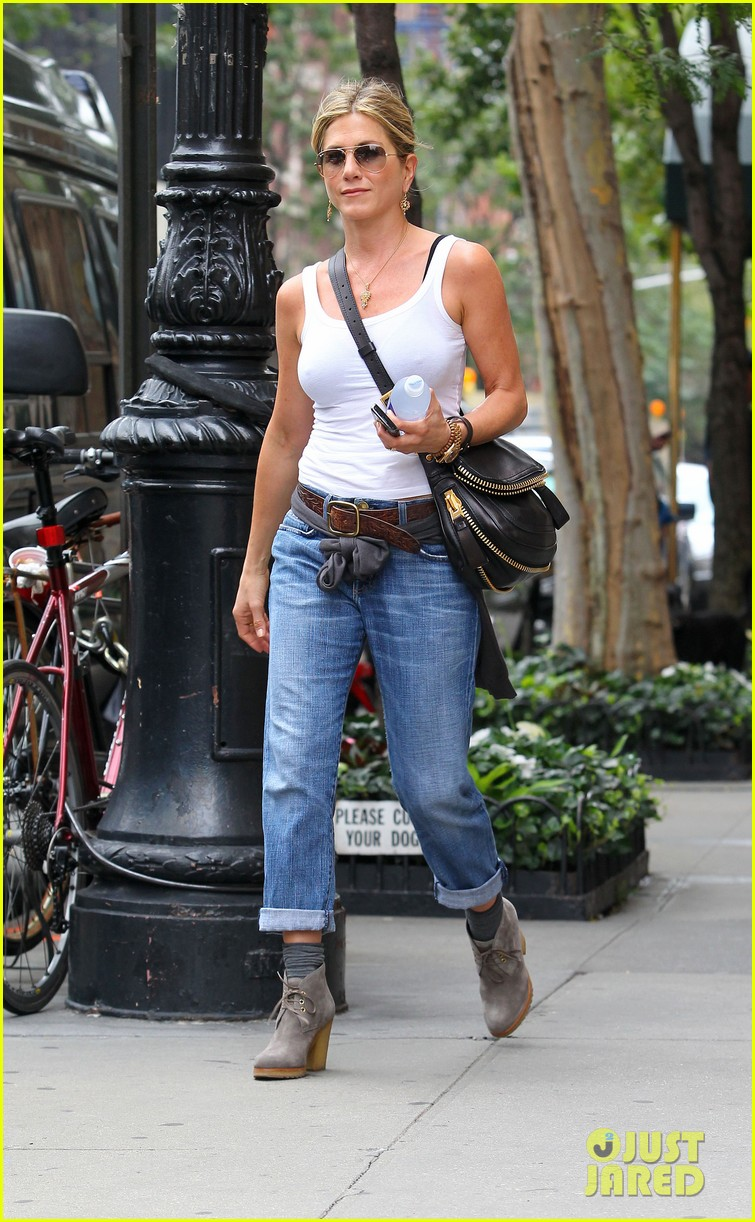 jennifer aniston white tank 022584862