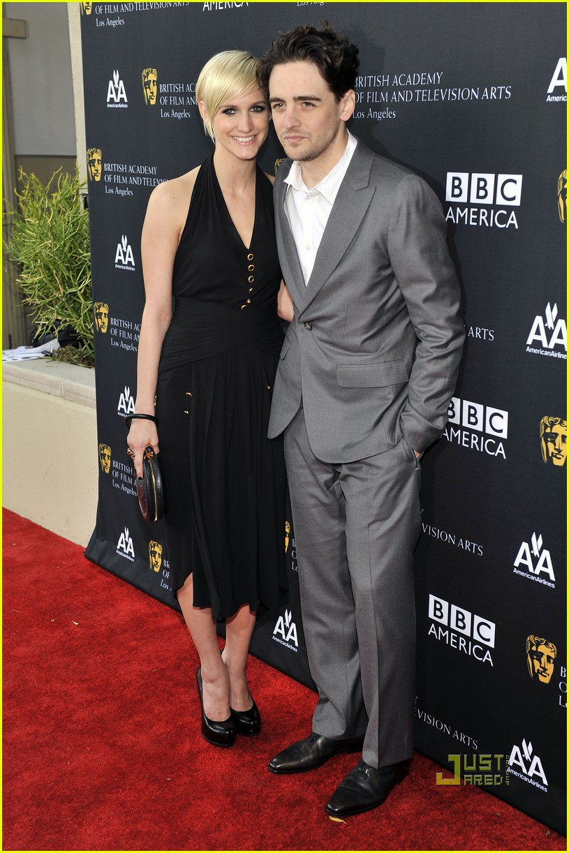 ashlee simpson vincent piazza bafta tea party 04