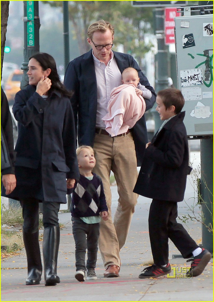jennifer garner paul bettany kids agnes 05