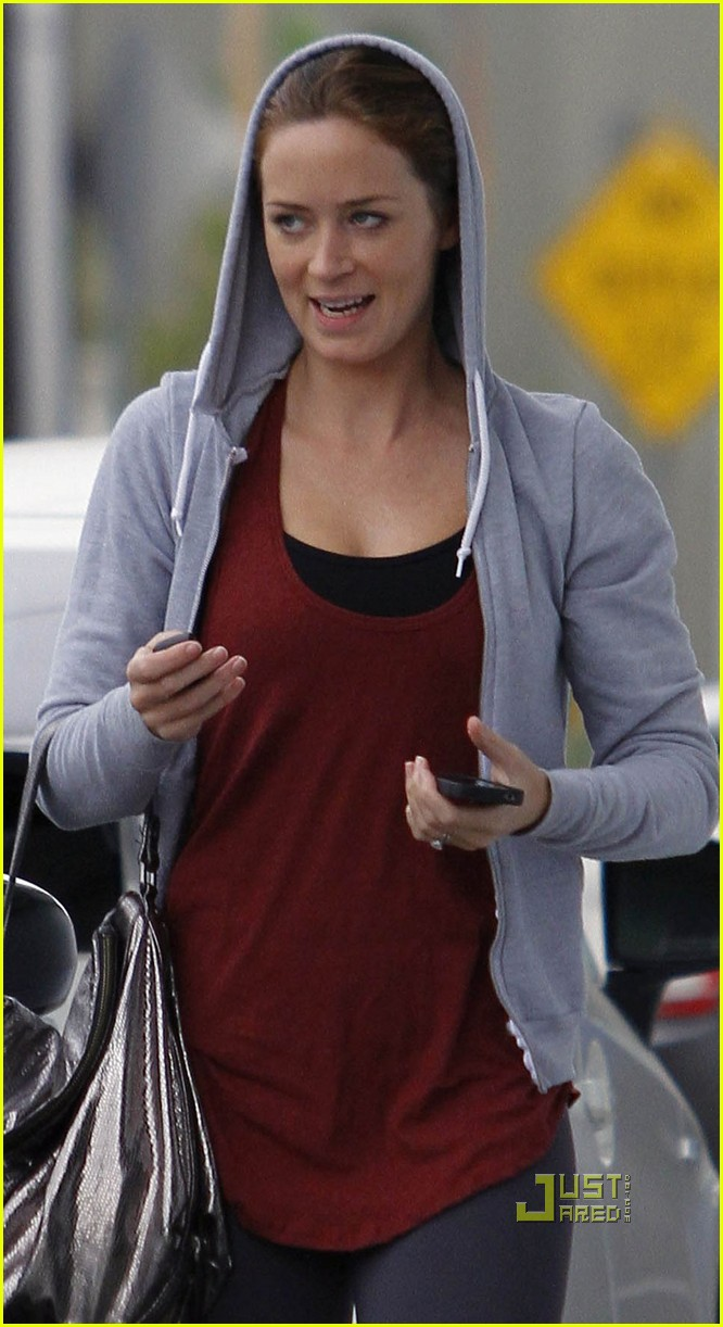 emily blunt gym workout 04