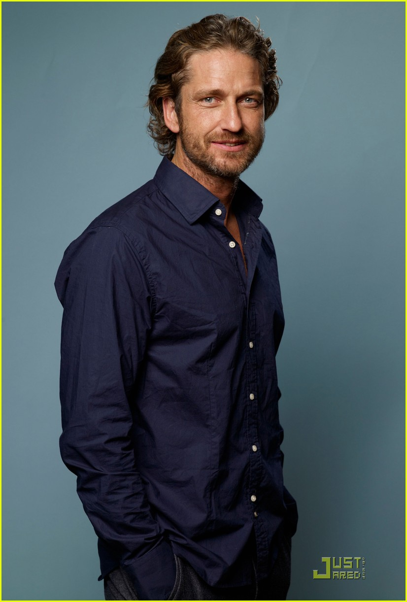 gerard butler machine gun preacher portraits at tiff 01