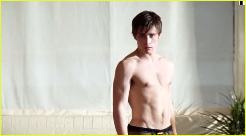christian cooke shirtless 042577038