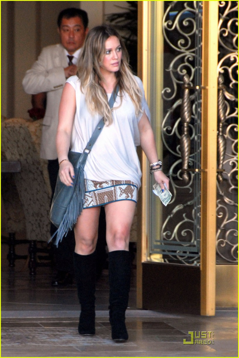 hilary duff thankful birthday girl 012584701