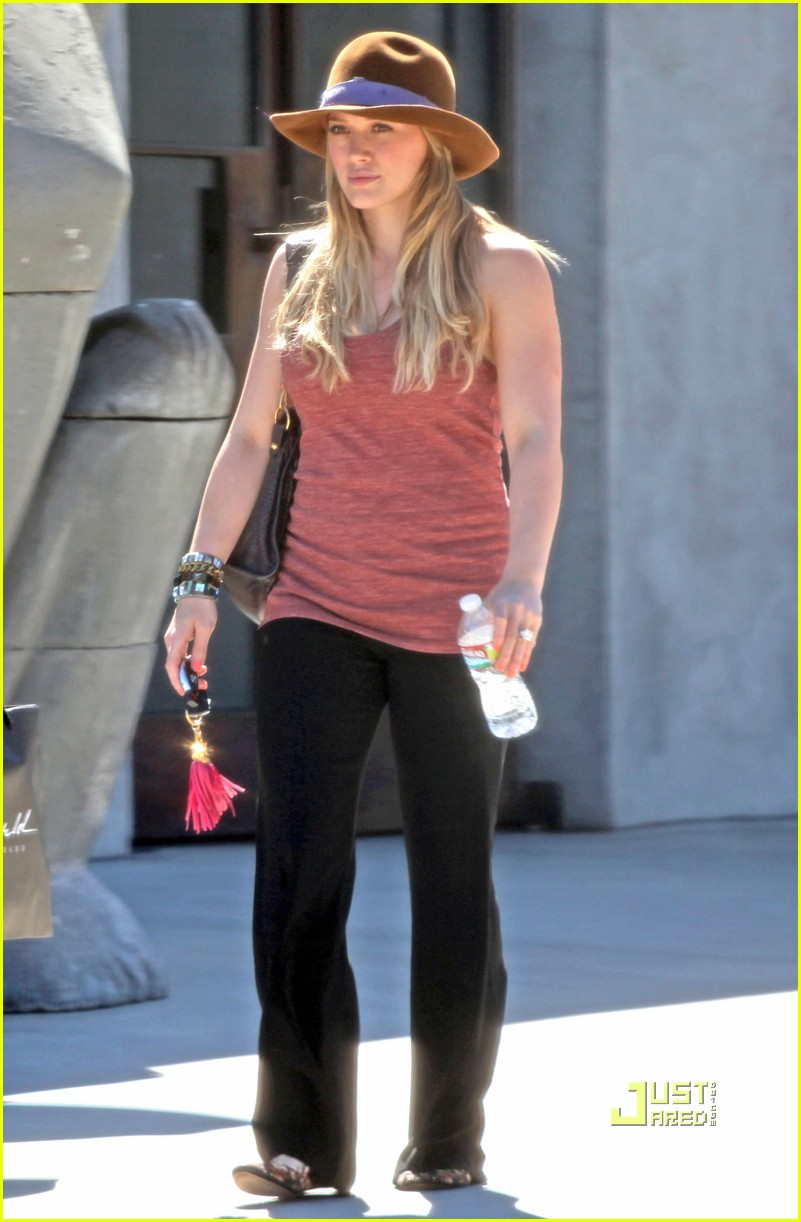 hilary duff shopping maxfield 03