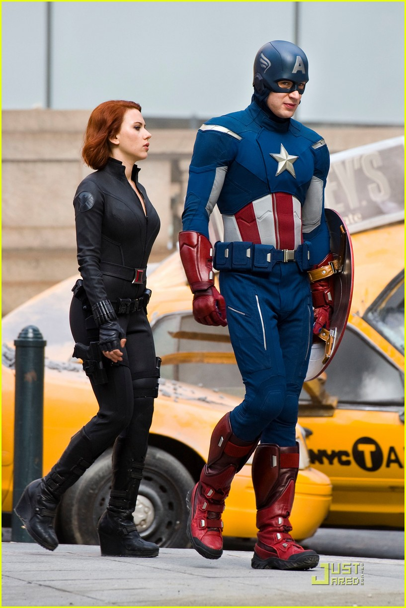 scarlett johansson chris evans jeremy renner avengers park ave 01