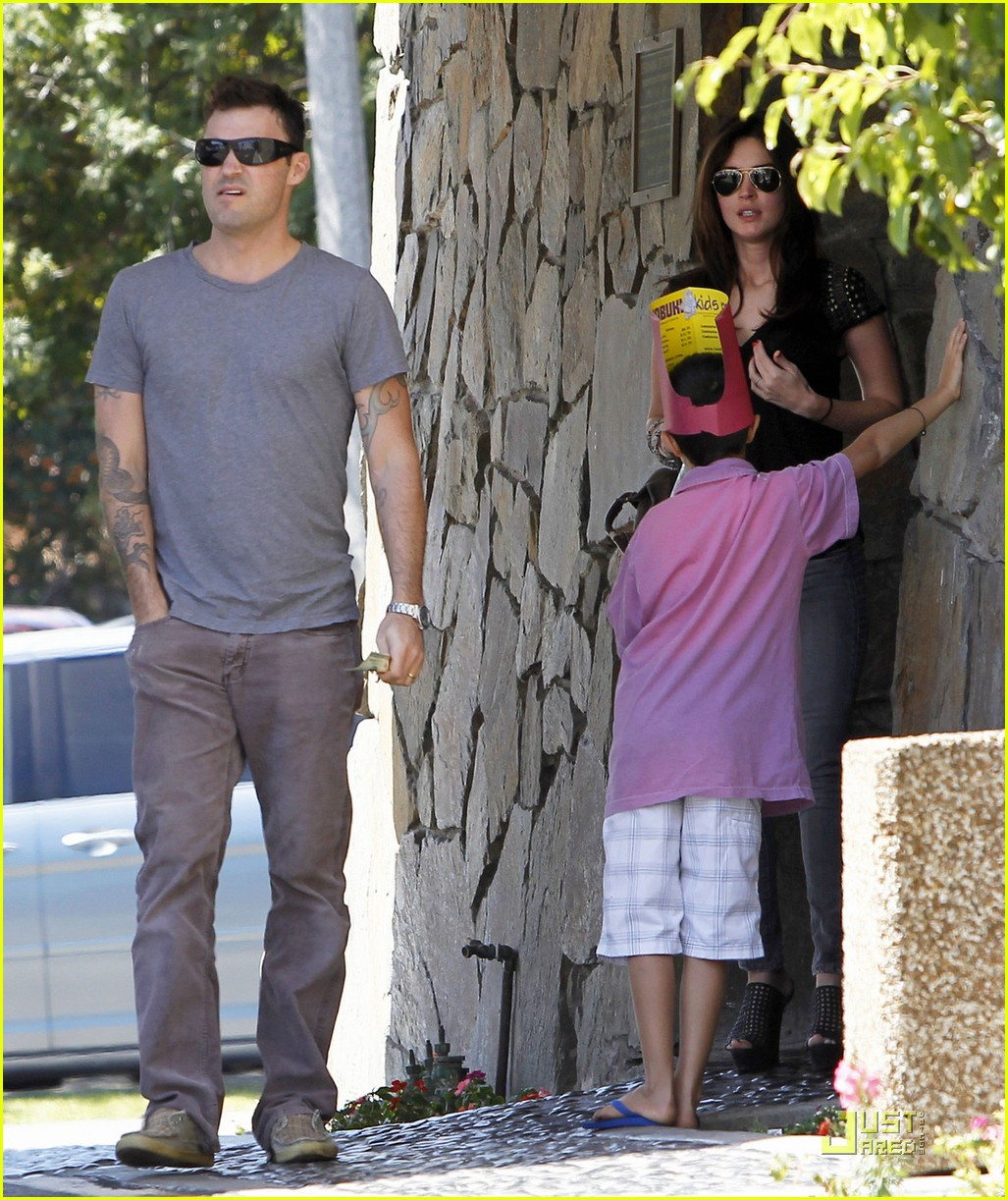 Full Sized Photo of megan fox benihana family 02 | Photo ...
