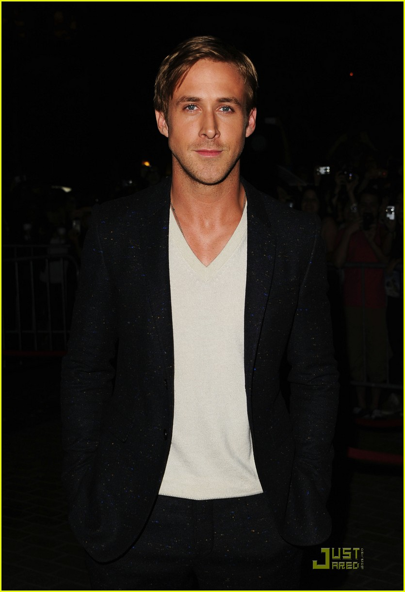 ryan gosling drive premiere in toronto 09