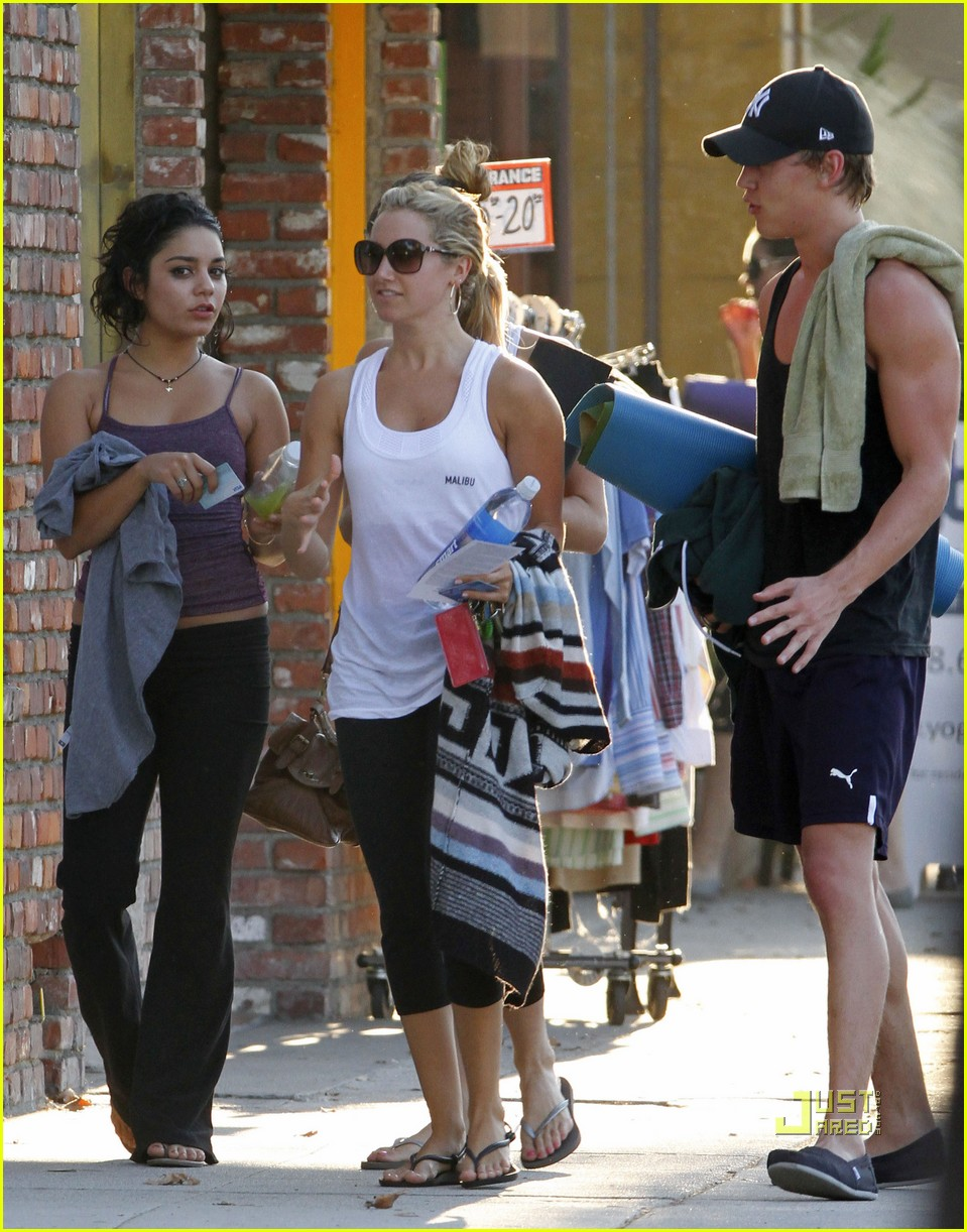 vanessa hudgens austin butler ashley tisdale workout 02