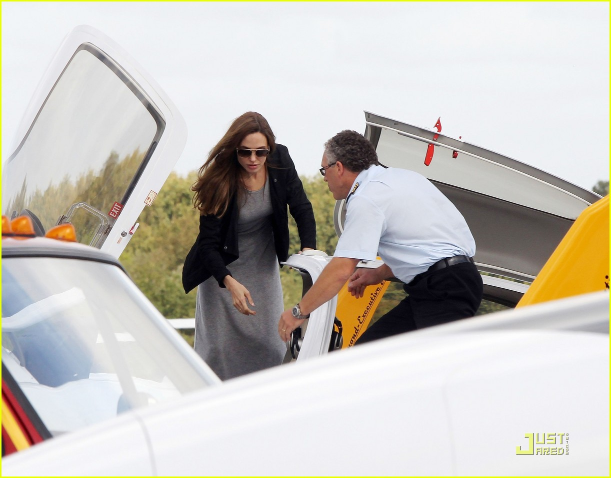 angelina jolie flying lessons maddox 04