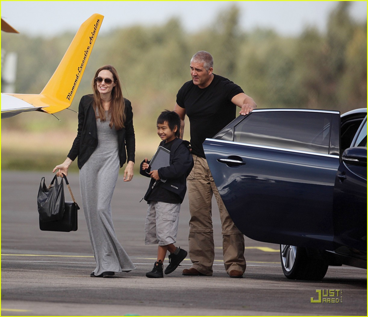 angelina jolie flying lessons maddox 05