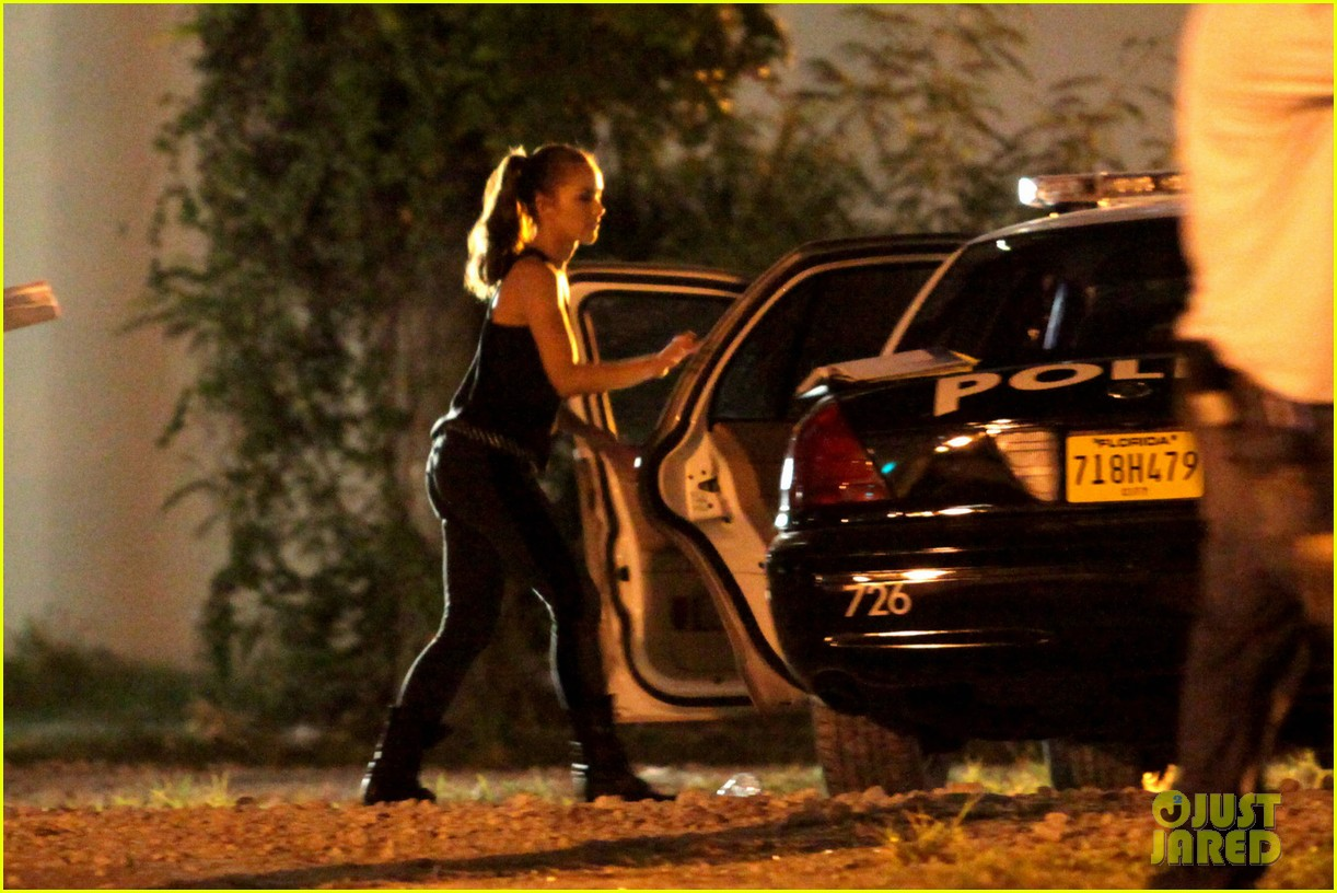 minka kelly charlies angels arrest 03
