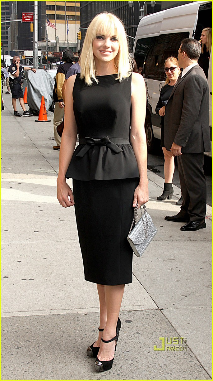 anna faris late show letterman marie claire express 12
