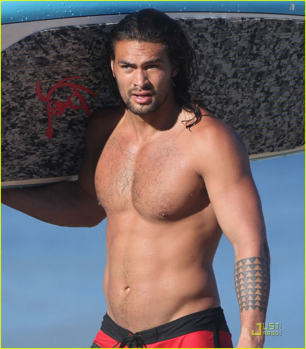 jason momoa shirtless hawaii 02