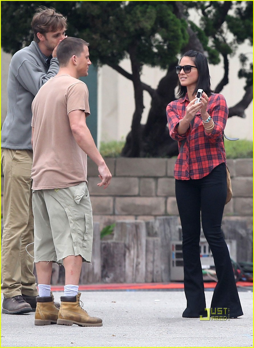 olivia munn channing tatum magic mike set 07