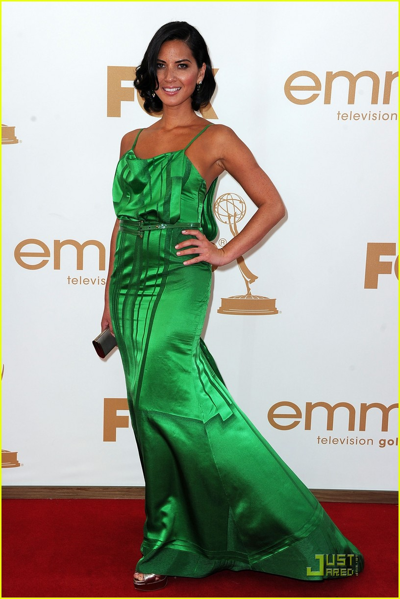 olivia munn emmy awards 2011 01