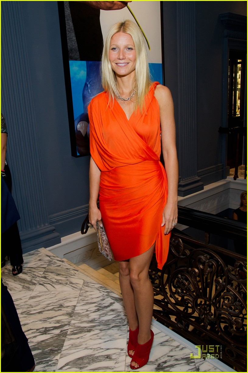 gwyneth paltrow coach dinner thandie newton 05