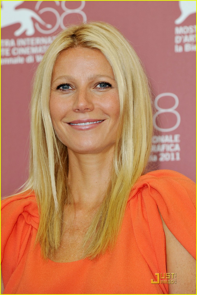 gwyneth paltrow contagion photo call venice 02