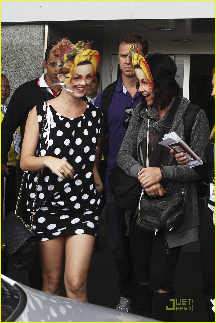 Katy Perry: Carmen Miranda Masks in Rio!: Photo 2582768 | Katy Perry Pictures | Just Jared
