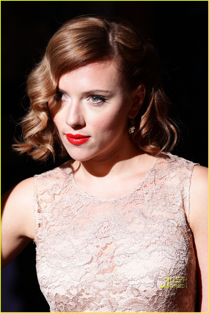 scarlett johansson dolce and gabbana milan fashion week 05