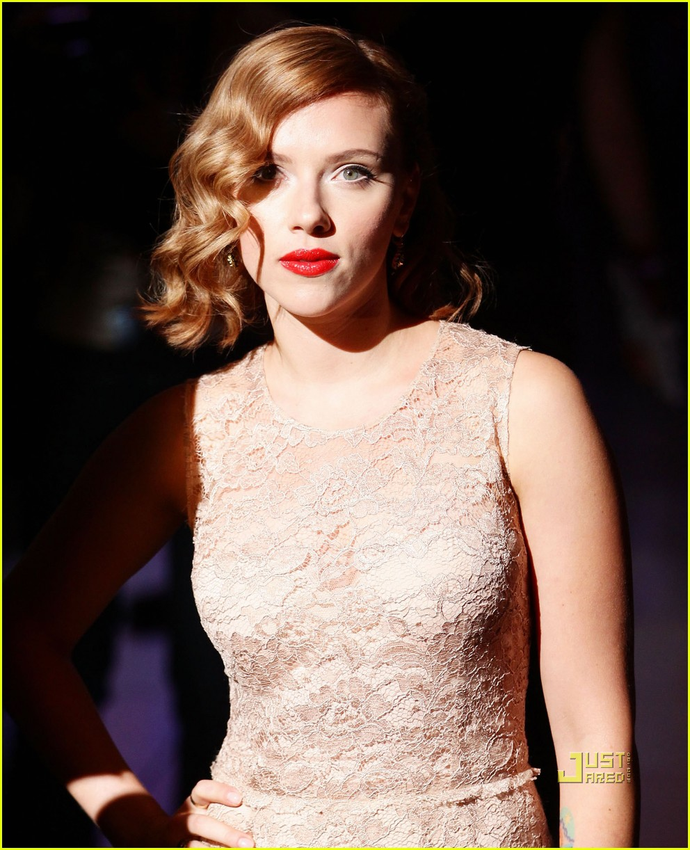 scarlett johansson dolce and gabbana milan fashion week 09