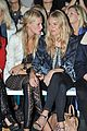 sienna miller front row matthew williamson 02