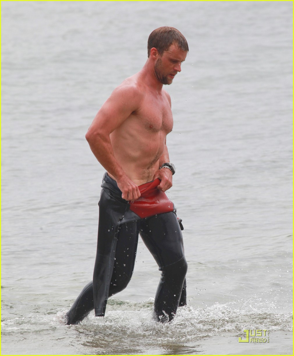 jesse spencer shirtless surfer 05