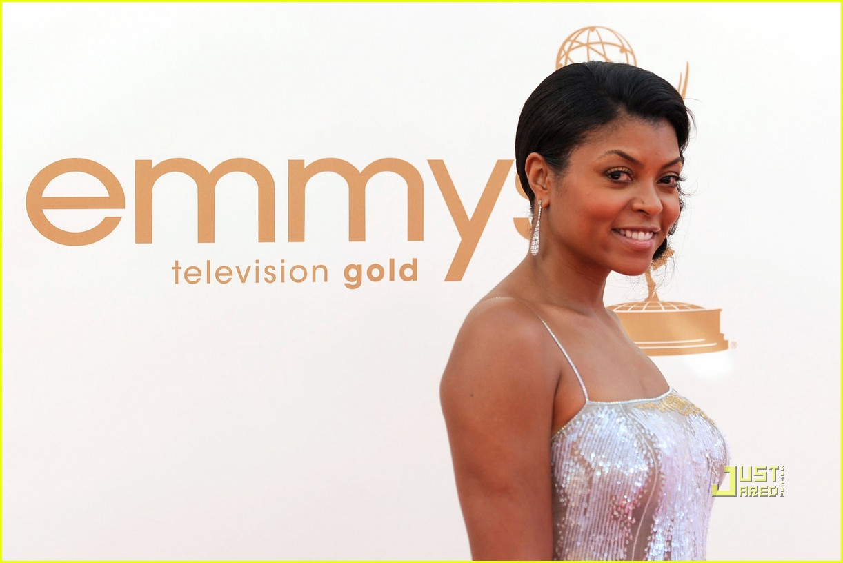 taraji p henson 2011 emmy awards red carpet 03