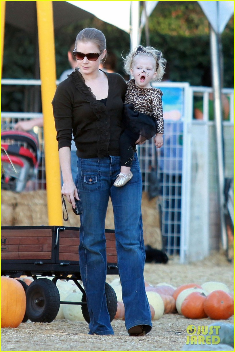 amy adams pumpkin patch with aviana 07