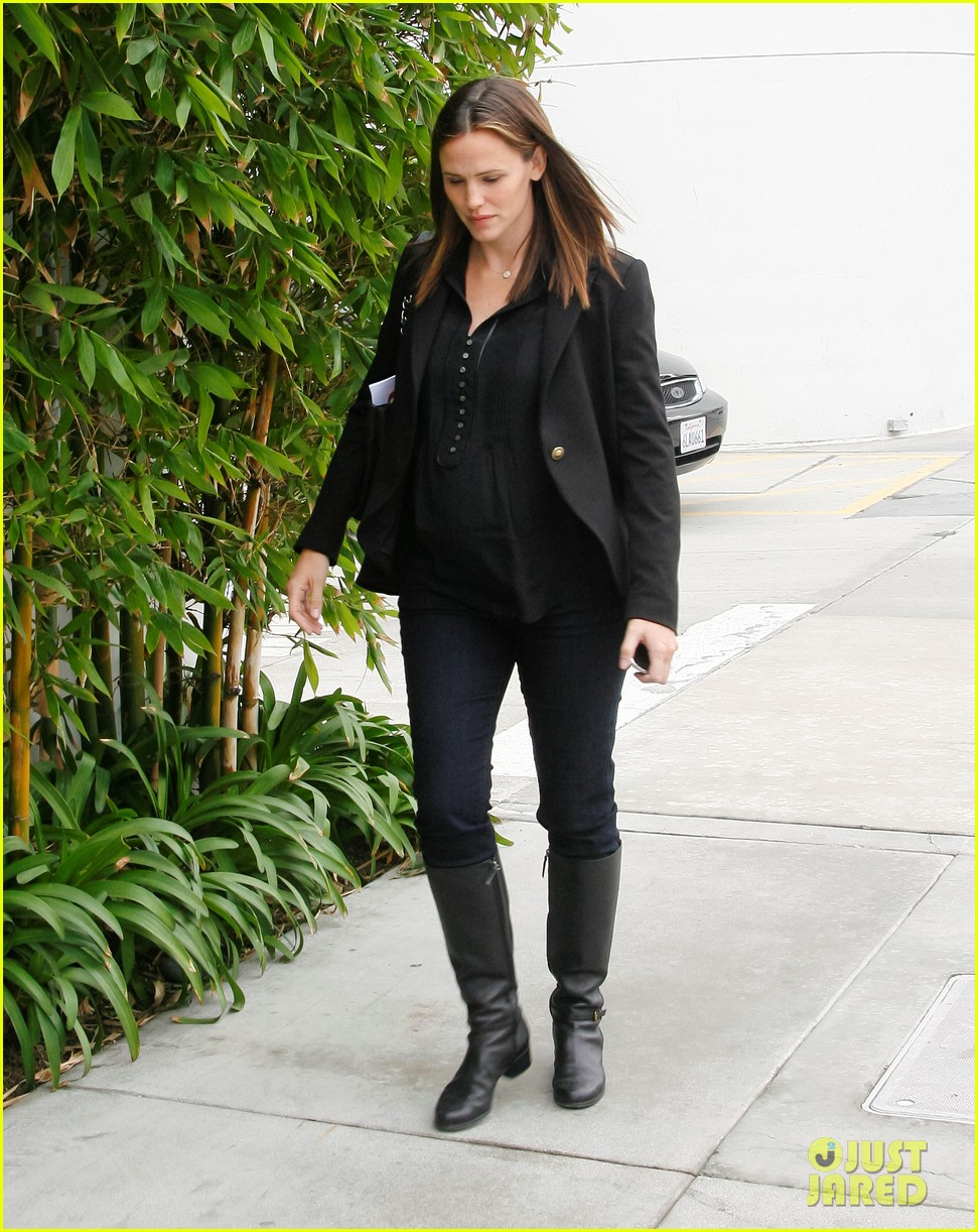 jennifer garner ben affleck huckleberry 10