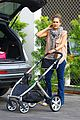 jessica alba running errands with baby haven 09