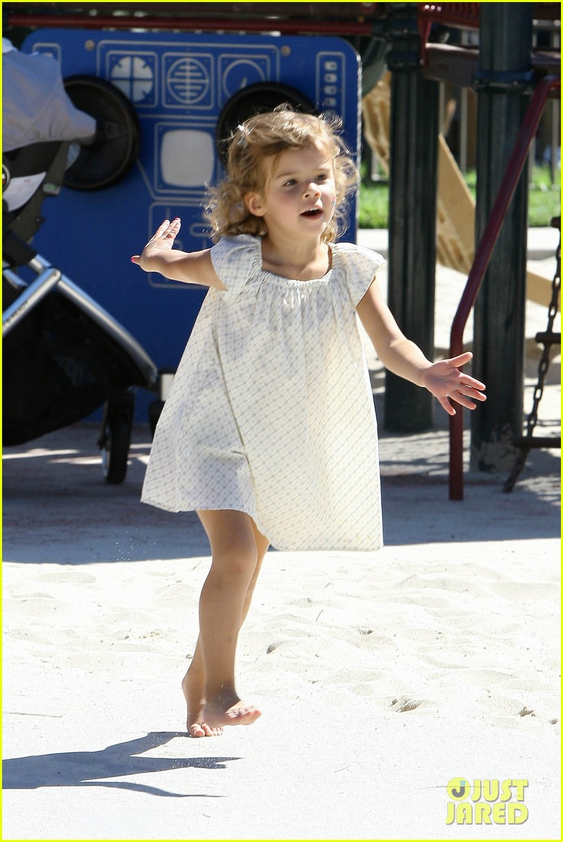 jessica alba family park 03