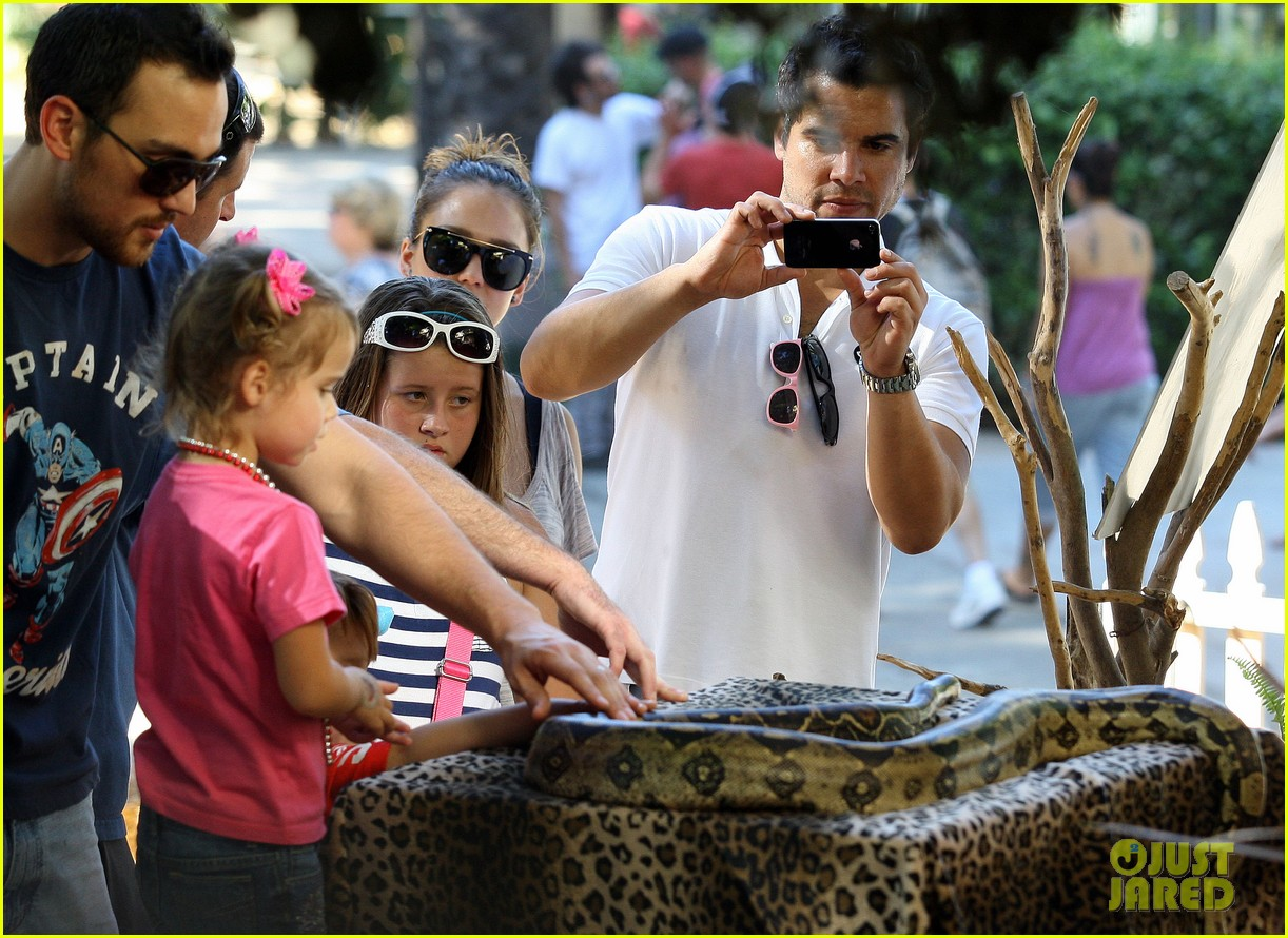 jessica alba family fun day 08